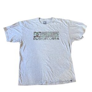 DC Tshirt Camo Print Mens Size XL Grey